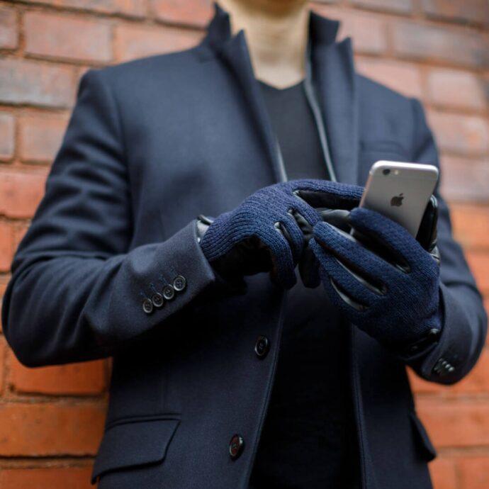 Dunkelblaue Herrenhandschuhe