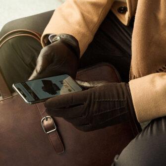 Elegante braune Herrenhandschuhe